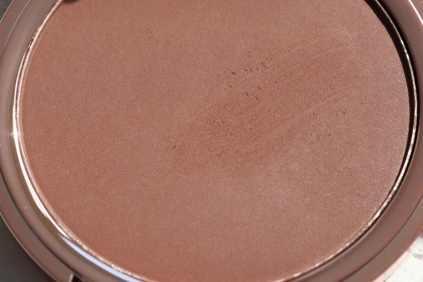 Revolution Splendour Glow Bronzer Medium Dark dosblog